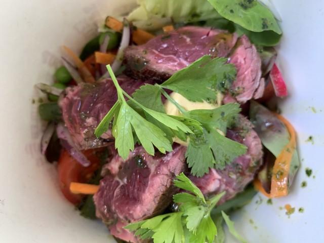 Les Fines Gueules Salade d'onglet de boeuf vinaigrette de xerès
