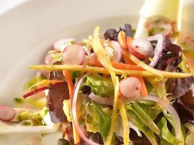 Les Fines Gueules Salade de Mesclun & terrine de queue de bœuf maison (#)(x)